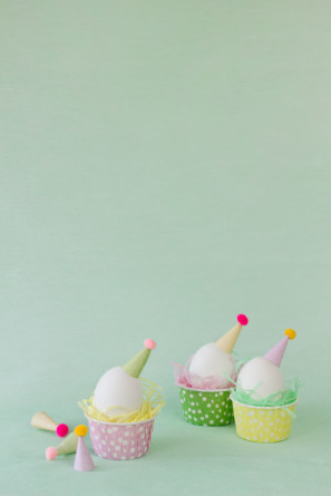 Party Hat Easter Egg DIYs