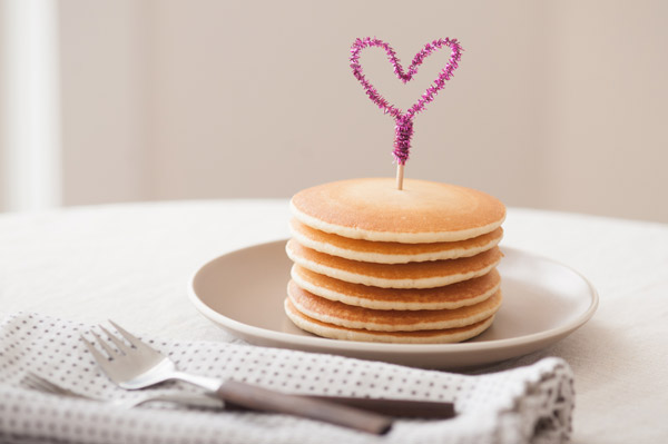 DIY Pipe Cleaner Heart Toppers