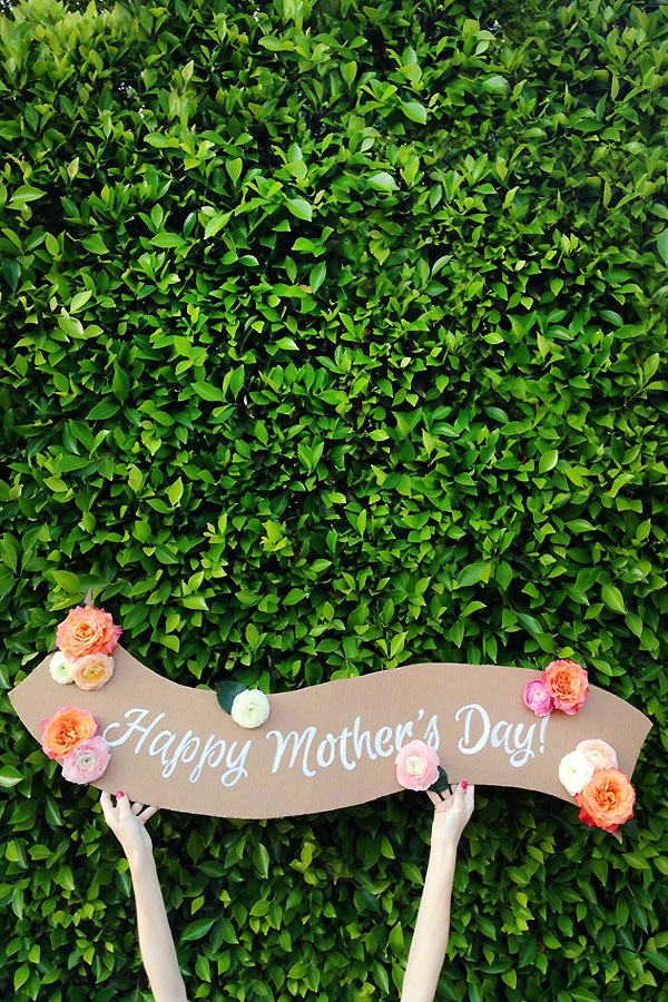 DIY Fresh Flower Banner