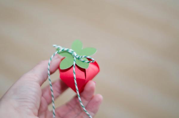 DIY Strawberry Favor Boxes