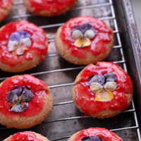 Five Ways to use Edible Flowers