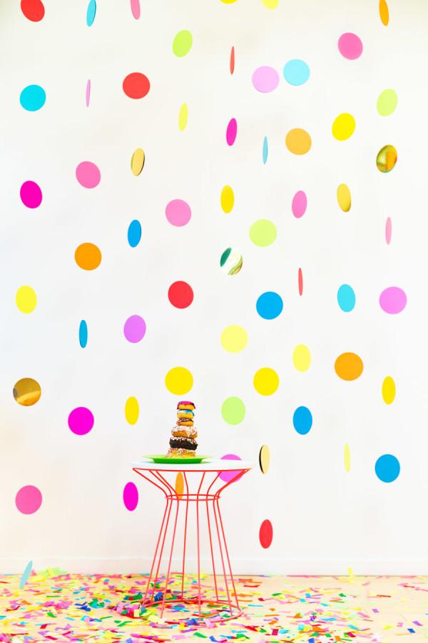 Floating Confetti Photobooth Backdrop DIY