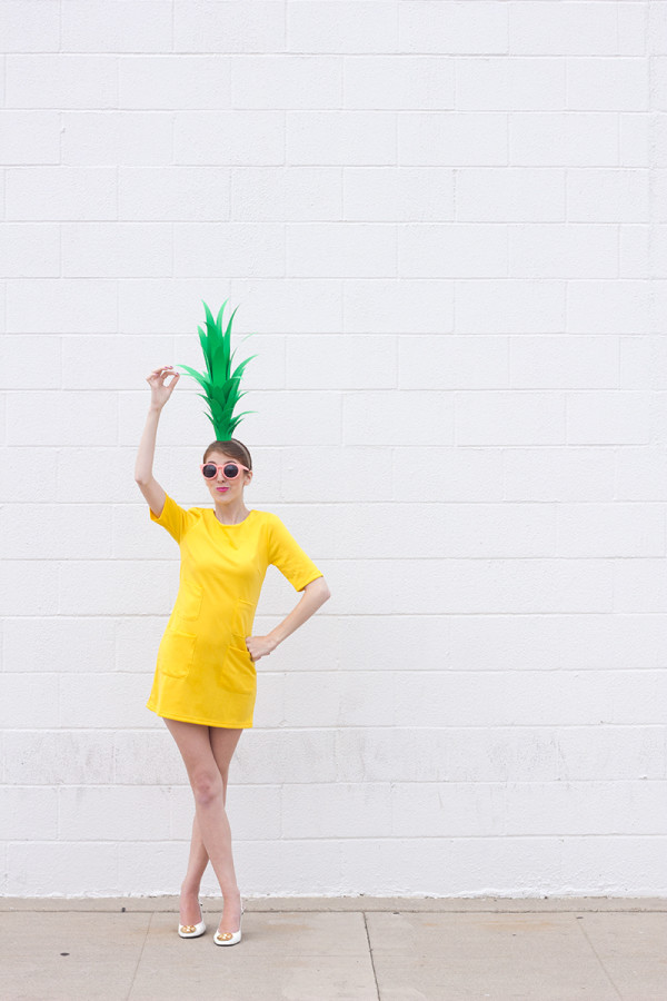 Diy strawberry costume diy pineapple costume solutioingenieria