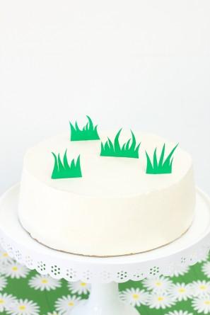 Egg Hunt Cake DIY
