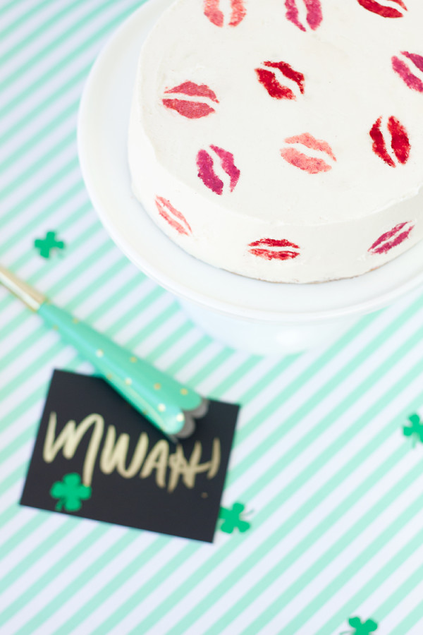 Kiss Me (I'm Irish!) Cake