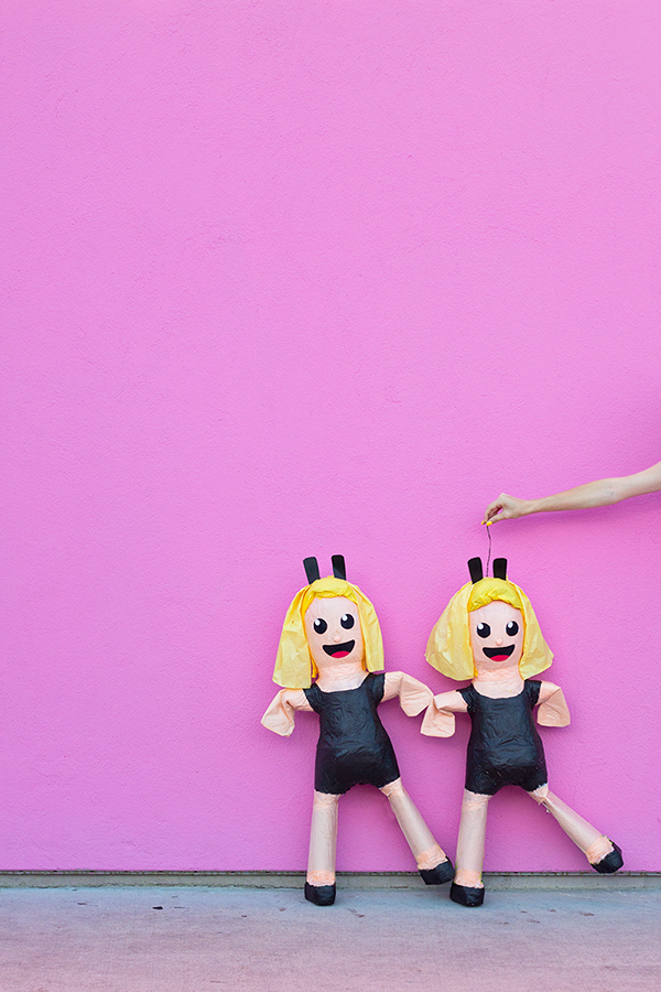 DIY Dancing Girls Emoji Piñata