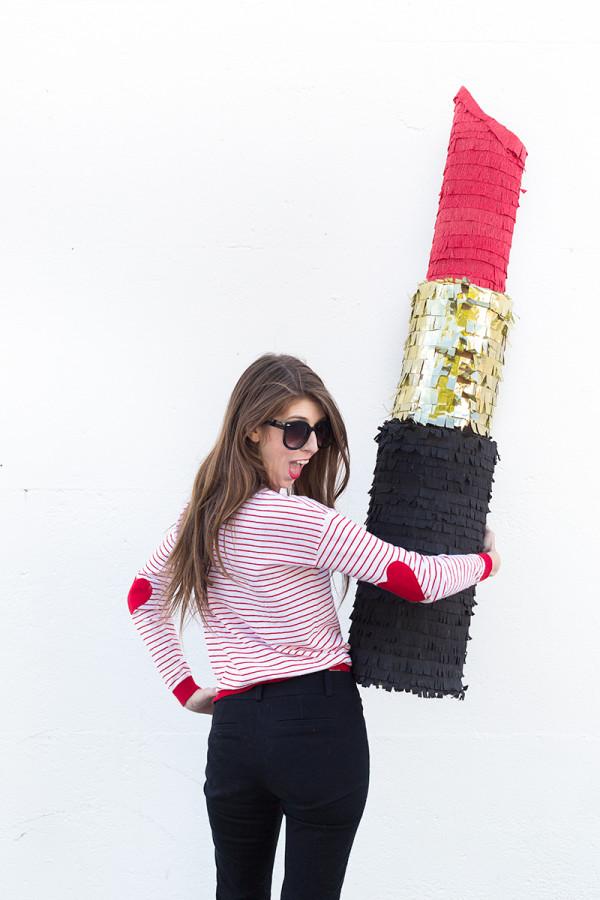 DIY Lipstick Piñata