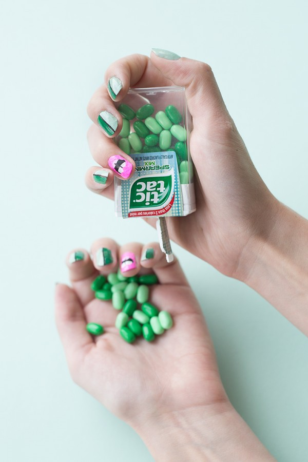 DIY Kiss Me I'm Irish Manicure