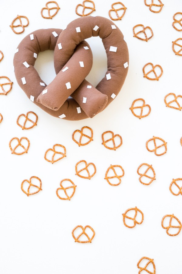 DIY Pretzel Pillow