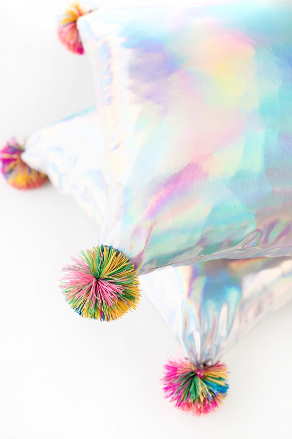 DIY Koosh Ball Pillows | studiodiy.com