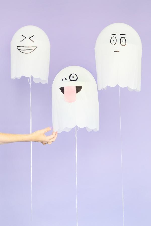 DIY Silly Ghost Balloons | studiodiy.com