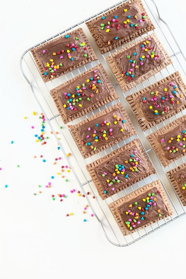 Cosmic Brownie Pop Tarts | studiodiy.com