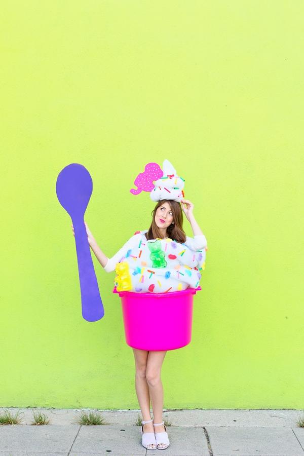 DIY Fro-yo Costume | studiodiy.com