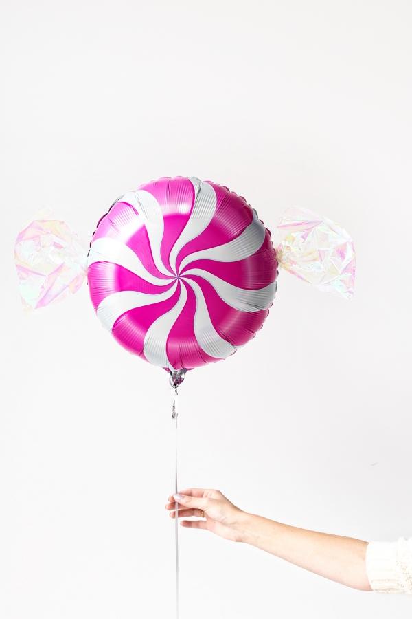 DIY Peppermint Candy Balloons | studiodiy.com