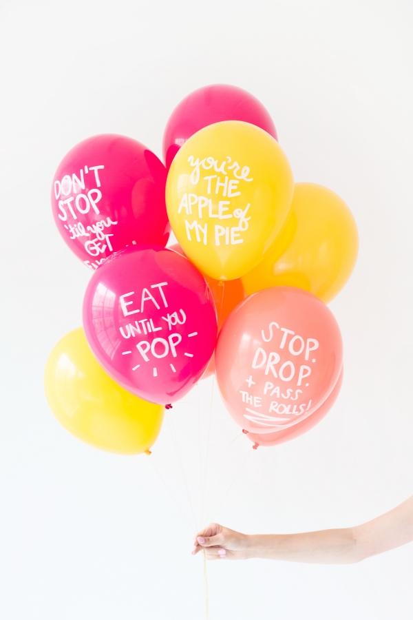 DIY Thanksgiving Pun Balloons | studiodiy.com
