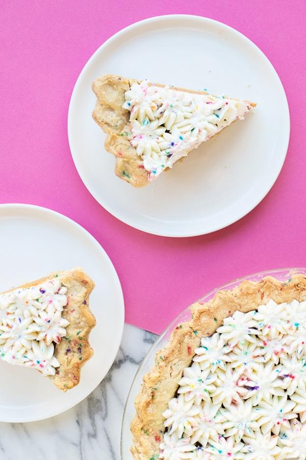Funfetti Pie Crust | studiodiy.com
