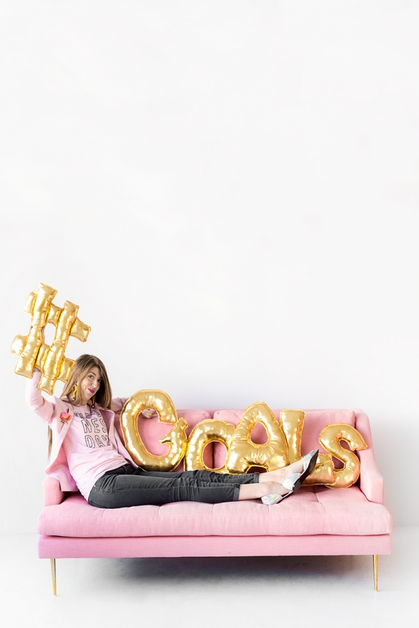 DIY Letter Balloon Pillows | studiodiy.com