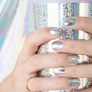 DIY Holographic Manicure