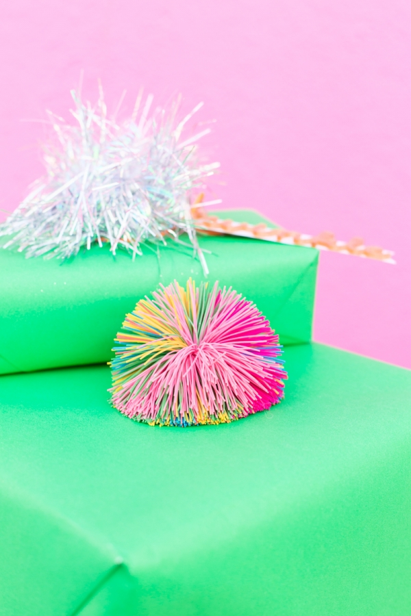 Koosh Ball Gift Topper! | studiodiy.com