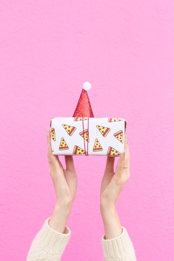 Pizza Gift Wrap | studiodiy.com