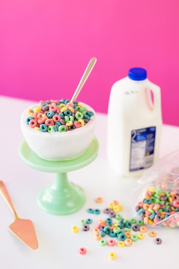 DIY Cereal Bowl Cake | studiodiy.com