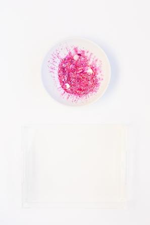 DIY Glitter Tray | studiodiy.com