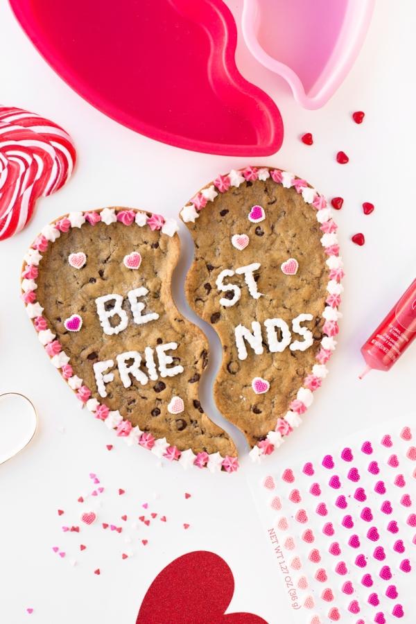 BFF Cookie Cake | studiodiy.com