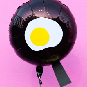DIY Fried Egg Emoji Balloons
