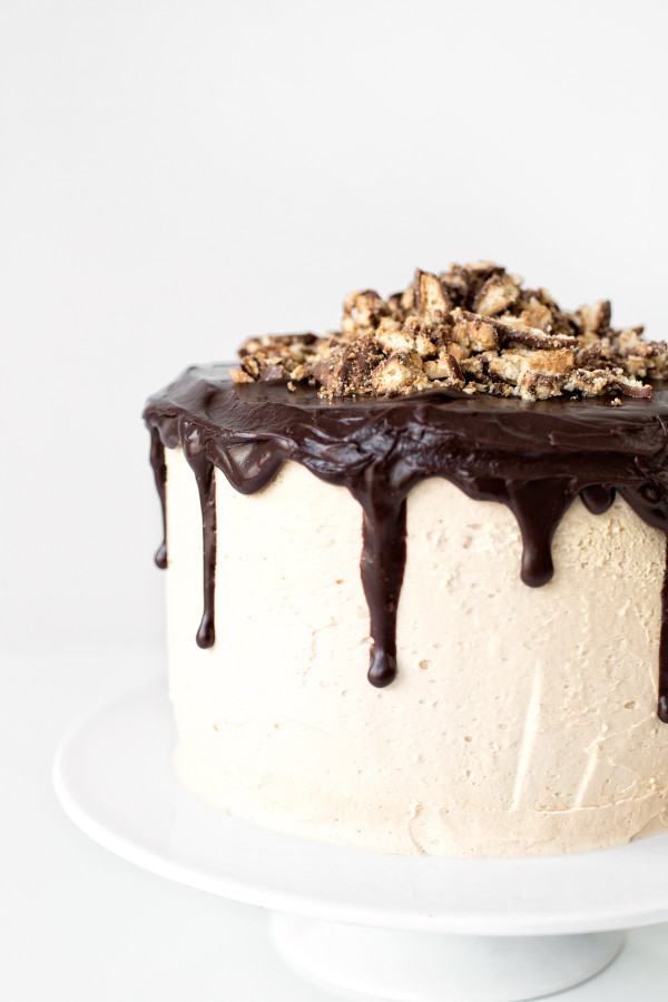 Tagalong Cake | studiodiy.com