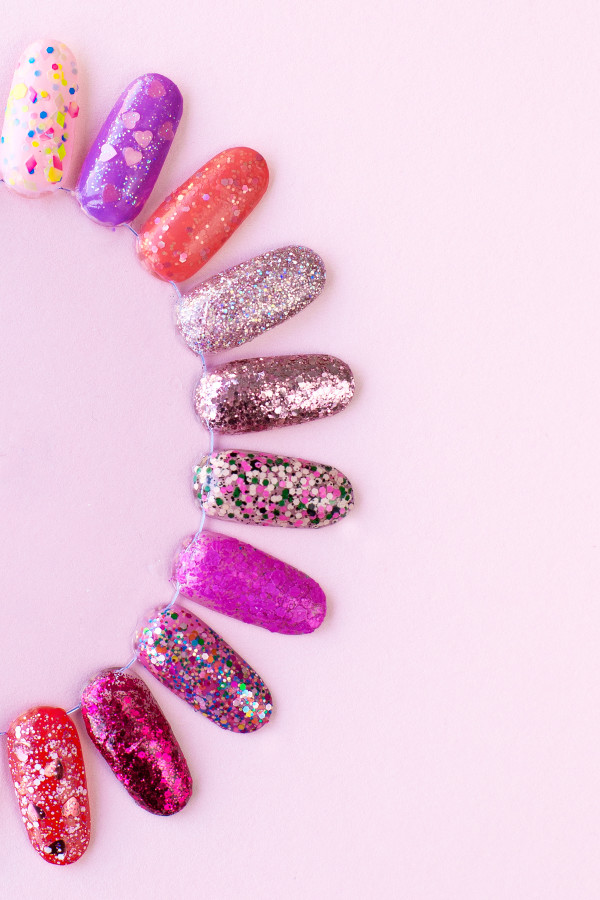 How to Remove Glitter Nail Polish | studiodiy.com
