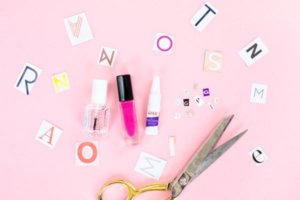 DIY Ransom Note Manicure | studiodiy.com