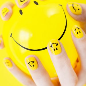 DIY Smiley Face Mani