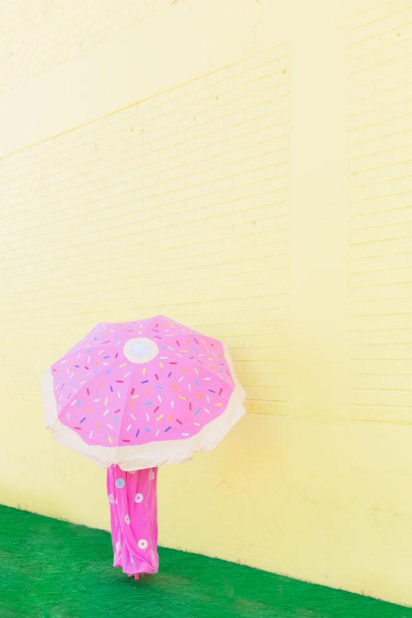 DIY Donut Beach Umbrella   studiodiy.com