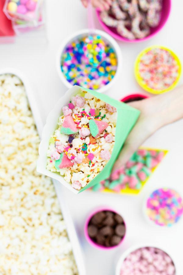 DIY Popcorn Bar for Backyard Movie Nights | studiodiy.com