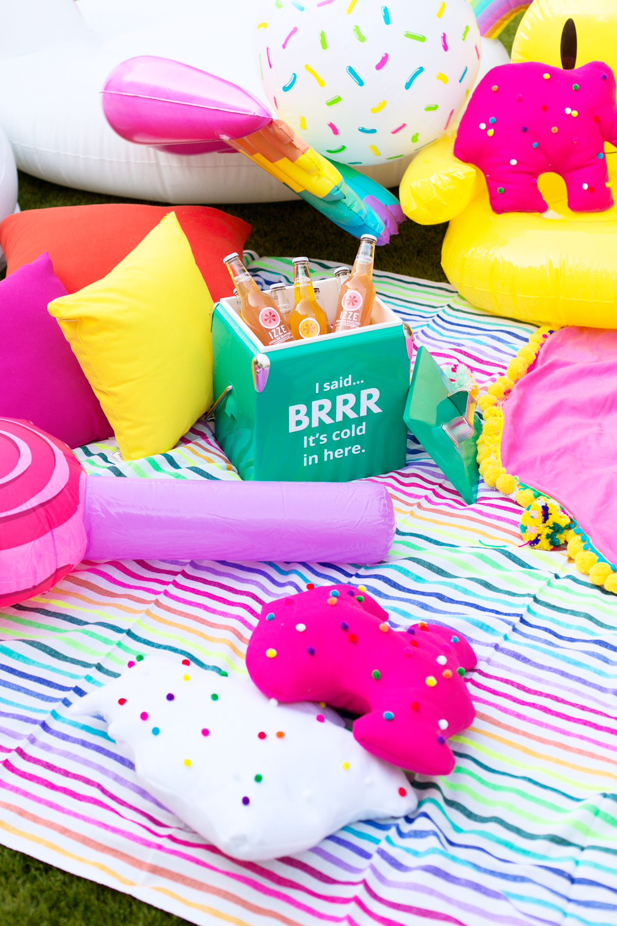 how to throw a colorful backyard movie night studio diy