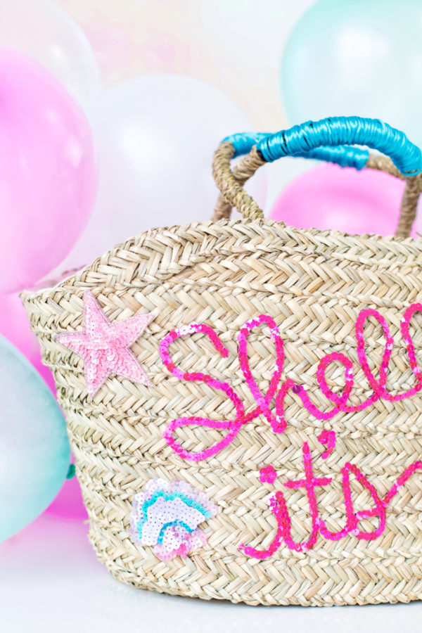 DIY Sequined Beach Bag | studiodiy.com