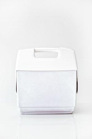DIY Cooler Makeover   studiodiy.com