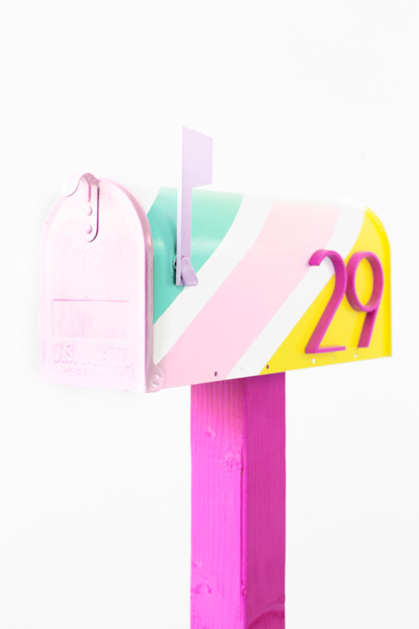 DIY Striped Mailbox Makeover | studiodiy.com