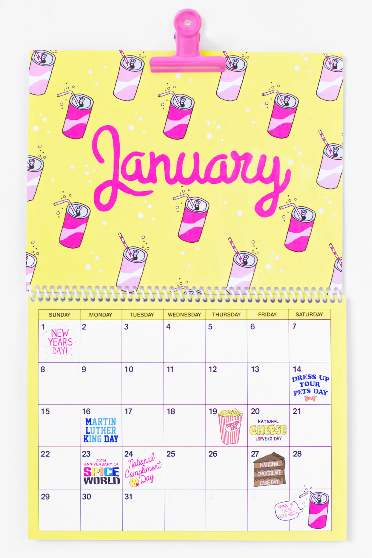 Free Printable 2017 Wall Calendar!!!! - Studio DIY