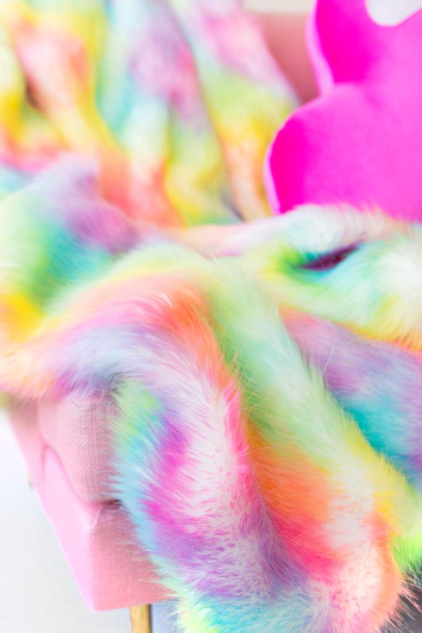 DIY Faux Fur Blanket