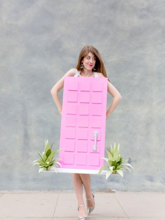 """DIY """"That Pink Door"""" Costume"""