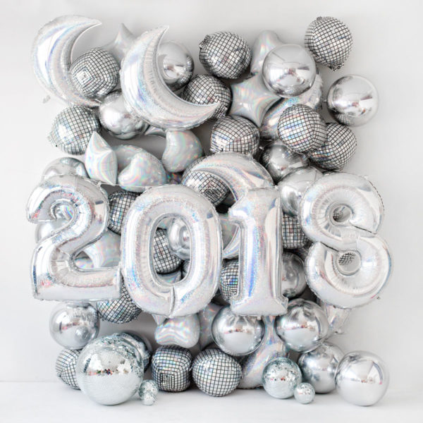 Holographic 2018 New Year's Eve Balloons