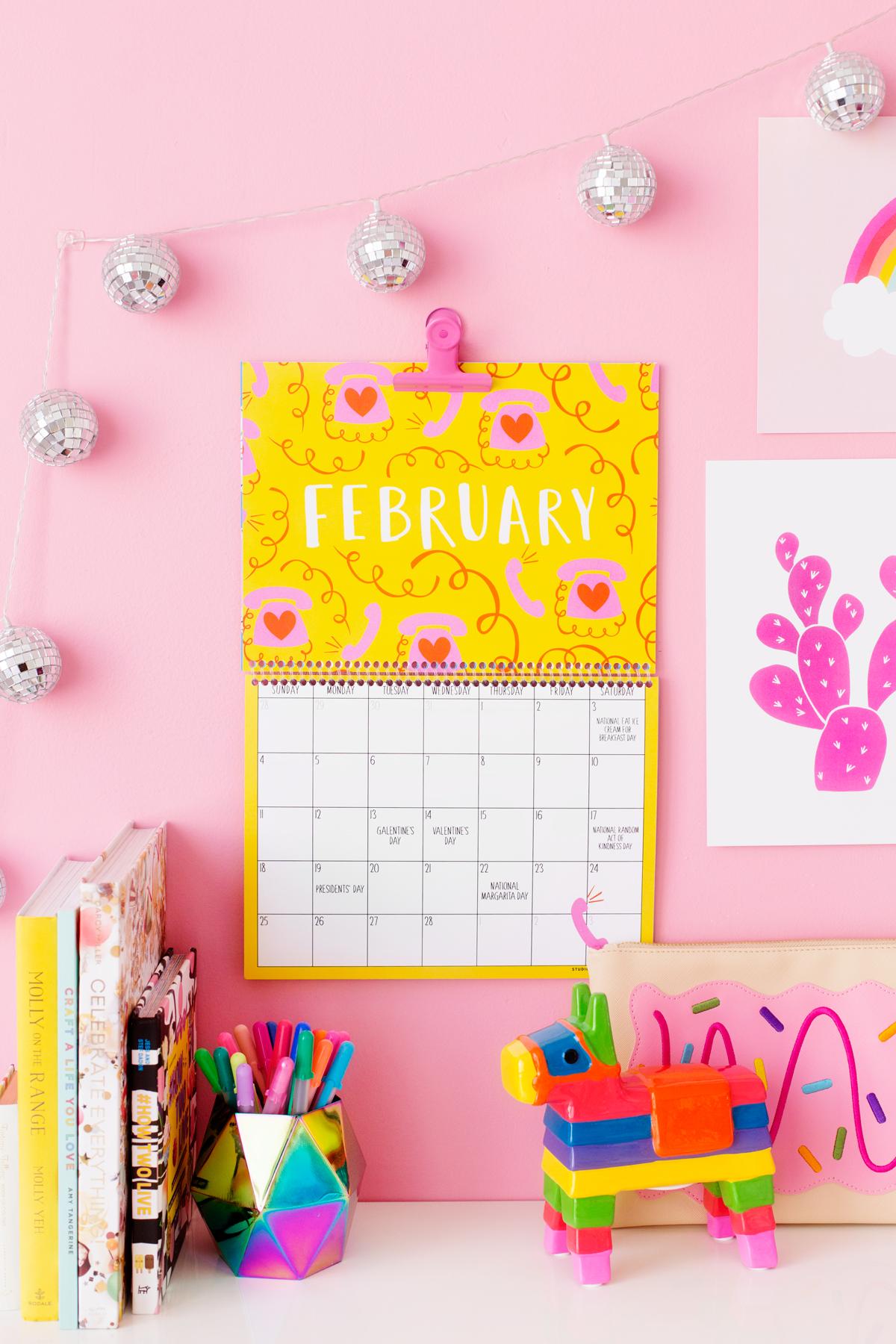2018 Free Printable Wall Calendar - Studio DIY