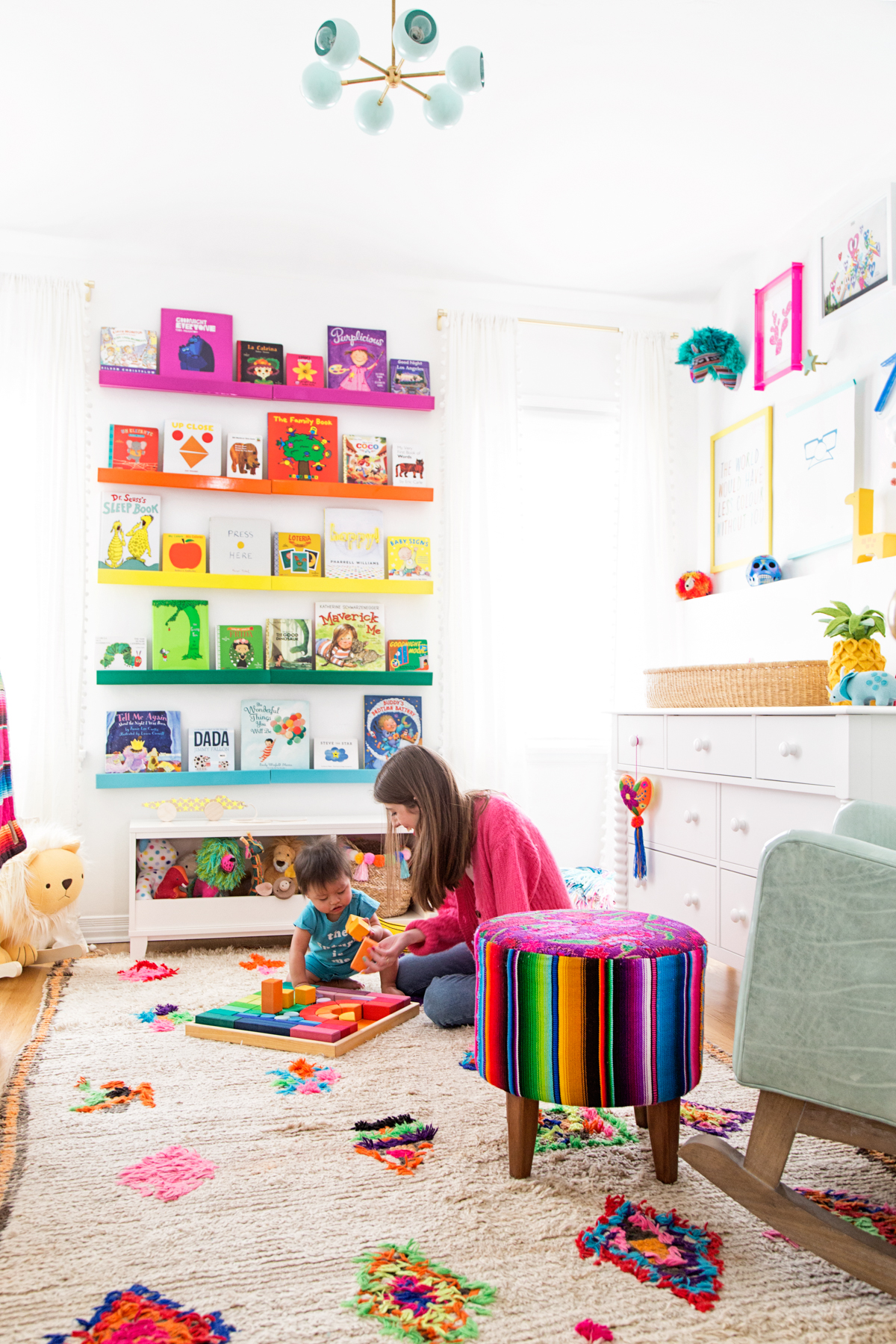 Items To Decorate Living Room: How To Decorate A Kids Room!