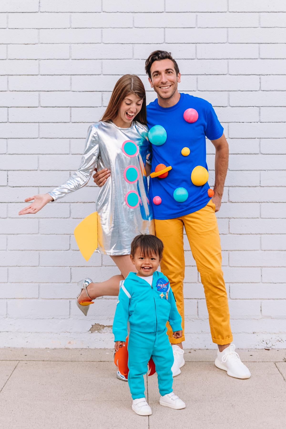 DIY Space Family Costume - Studio DIY