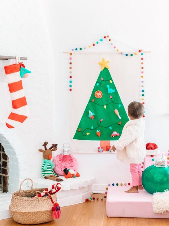 DIY Felt Christmas Tree Wall Hanging