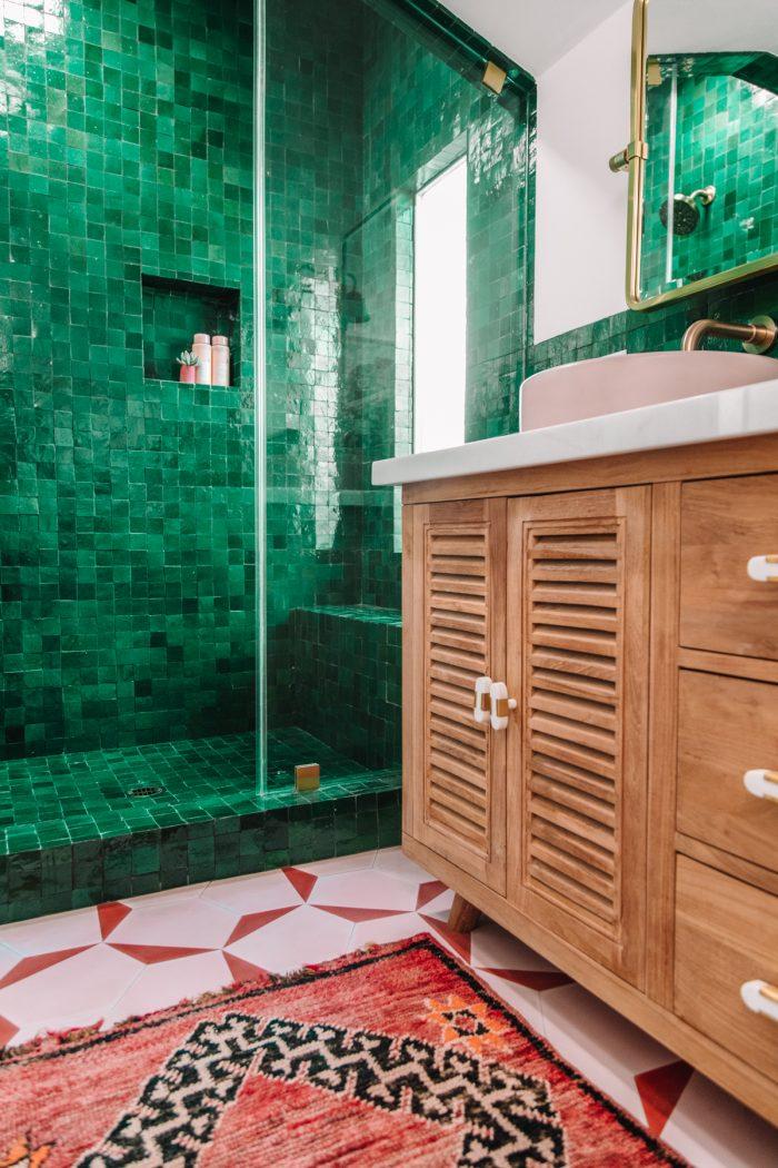 Moroccan Rug in a Bathroom
