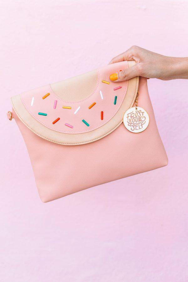 Donut Clutch