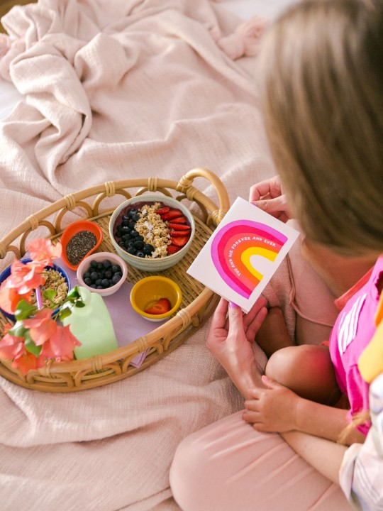 """An Easy Mother's Day """"Gift"""" that Toddlers Can Make (+ Our Family's Smoothie Bowl Recipe!)"""