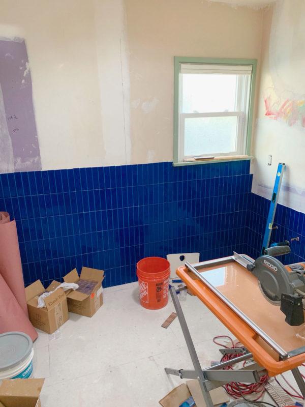 Blue Vertical Fireclay Bathroom Tile